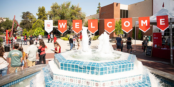 Fluor Fountain with welcome banner