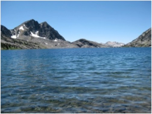 Living lake in the Eastern Sierras