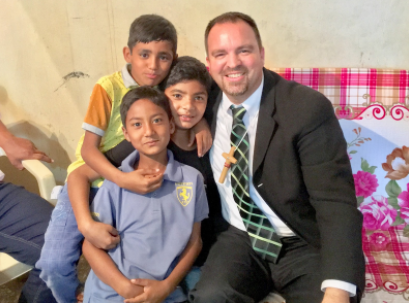 Brooks with Pakistani children.