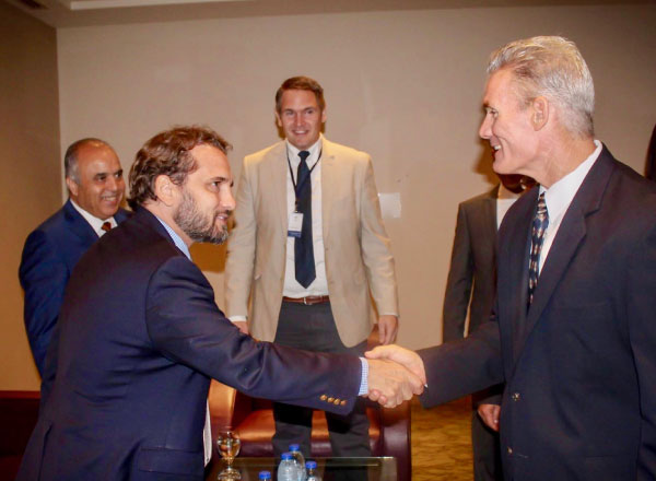 Professor Eastman shaking hands with Jordanian Prince